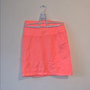 New aritzia miniskirt with tags -small